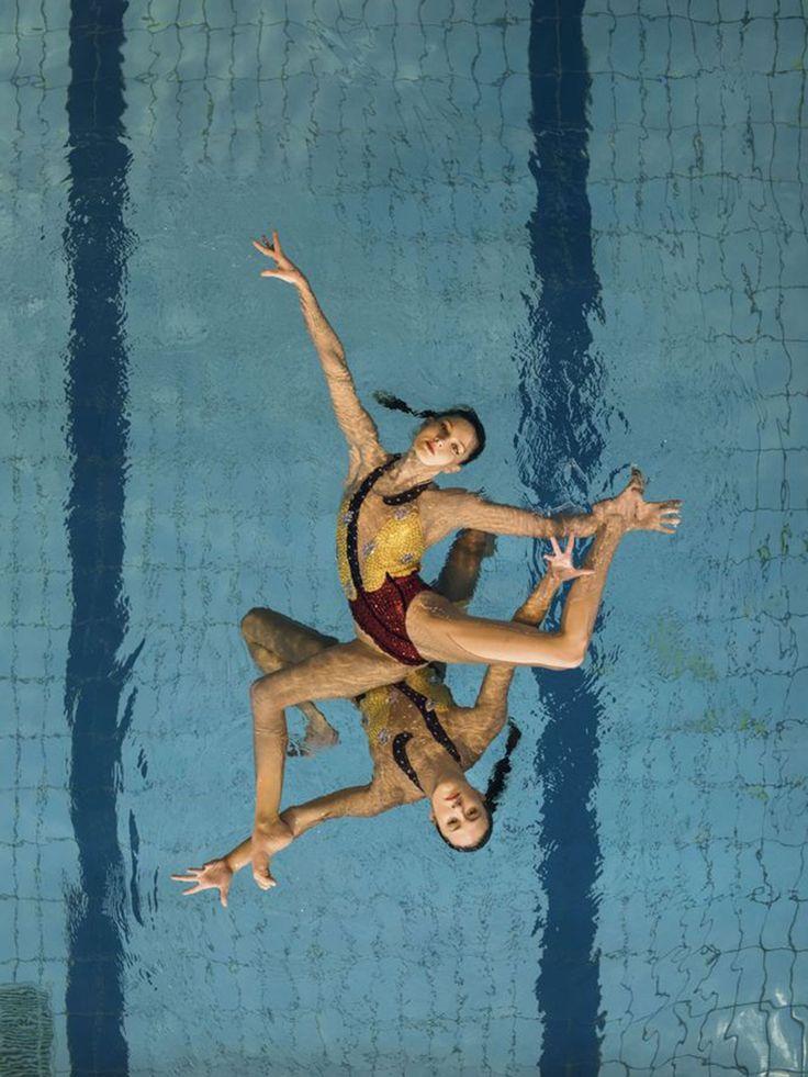Olivia Federici and Katie Clark - Synchronised Swimming - HarpersBAZAARUK