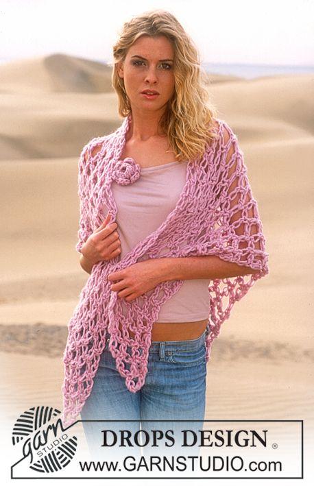DROPS Crochet shawl in Eskimo with love knots & flower attachment ~ DROPS Design