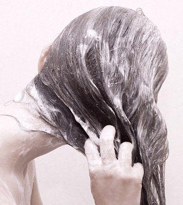Você conhece a técnica Co-wash para lavar os cabelos?