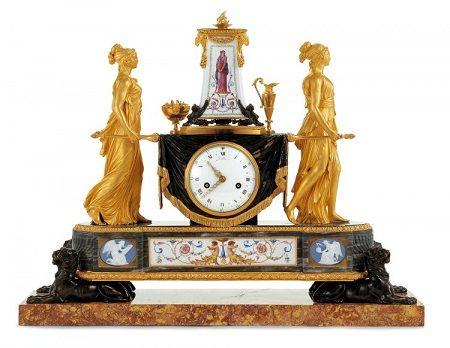 Vesta-szüzek órája Robert Robin (óraszerkezet) és Pierre-Philippe Thomire (óratok) · 1788 (Az óra Marie Antoinette számára készült)
