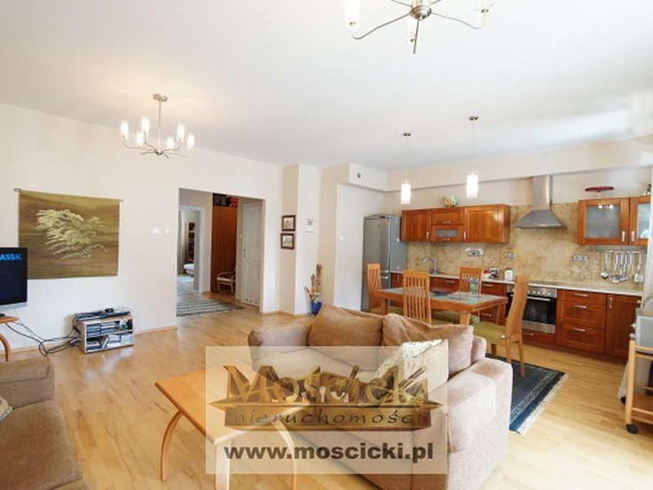 Prezentujemy 3-pokojowe  mieszkanie na Kabatach w bardzo atrakcyjnej lokalizcji!Powierzchnia 83,8m2 na którą składa się przestronny salon połączony z aneksem kuchennym , tworząc imponującą otwartą przestrzeń, dwie sypialnie po ok. 15m 2, d...