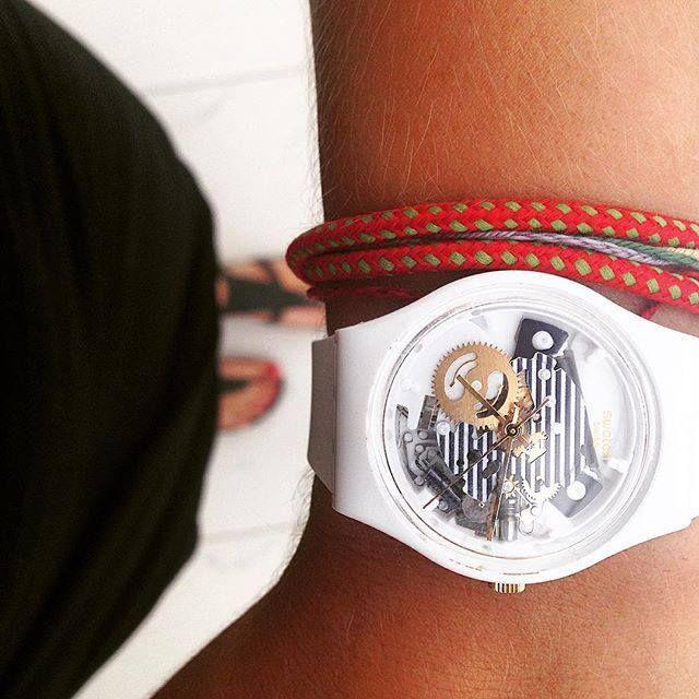 Noi pensiamo al look per ferragosto...che ne pensate di un perfetto stile marinaro?? http://www.gioielleriagigante.it/categoria-prodotto/orologi/swatch-orologi/page/2/
