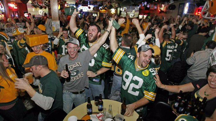"News - ""Bar Offers Free Beer Until Green Bay Packers Score, Team Gets Shut Out"""