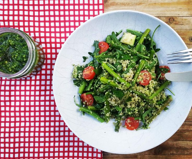 Recipe Quinoa & Spring Vegetable Salad with Kale Pesto by leoniewierenga - Recipe of category Main dishes - vegetarian
