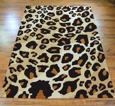 I want a little animal print in EVERY room :)