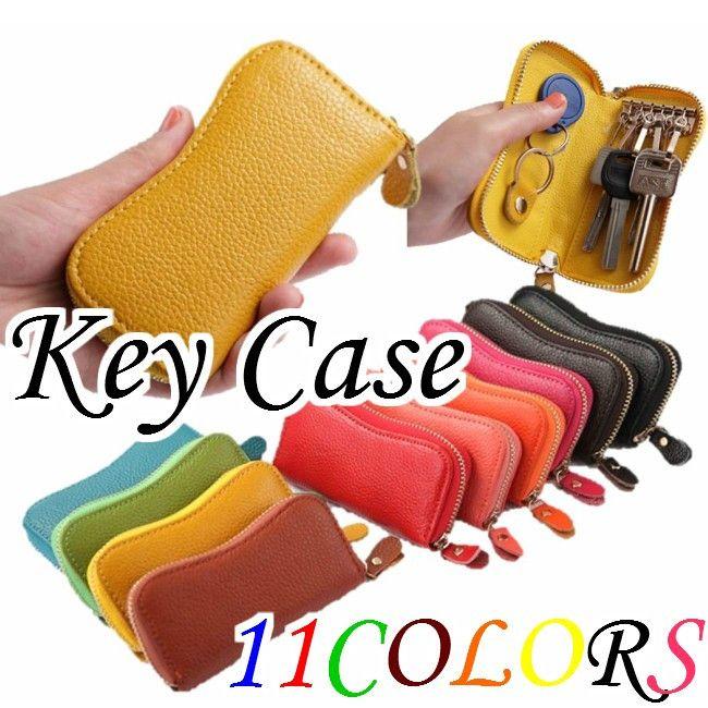 本革 メンズ レデイースキーケース 送料無料 選べる10色 カラフルレザー キーケース メンズ レディース 牛革 キーケース レザー 男女兼用 ユニセックス レザーキーケース 滑らかな手触りの本皮仕様。飽きのこないシンプルなデザインの多機能性キーケースです。ファスナー開閉なので鍵を落とす心配もありません。キーフックが6つ、キーリングが1つあるので鍵が多い方にもぴったり。カラーバリエーションは選べる10色。男女、年齢を問わずご使用頂けます。ちょっとしたプレゼントにも喜ばれますよ♪バレンタインギフトにチョコレートにプラスワンとしていかかでしょう【サイズ】実寸 約 縦11.5cm、横6.5cm、マチ2.2cmキーフック×6 キーリング×1(形状については画像参照) ※閉じて中身が入っていない状態で計測(±0.5)【素材】牛革