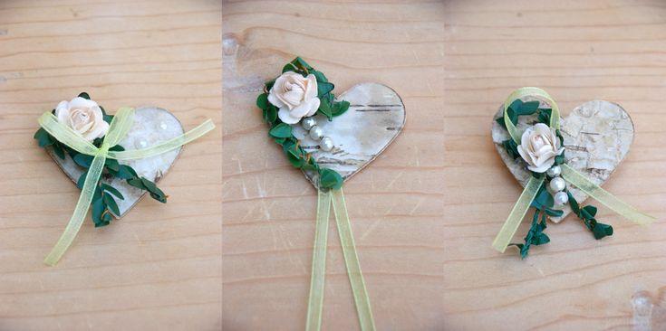 Sommerzeit ist auch Hochzeitszeit! Blauer Himmel, Zeremonie im Freien, Wald- und Wiesenblumen zu einem Strauß...