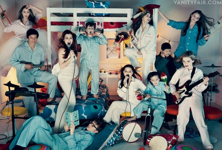 Party idea + awesome colorsVanities Fair, Vanity Fair, Fair Tv, Tvs Young, Derek Rose, 2012, Fair Children, Fair Special, Pyjamas Inspiration