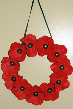 Poppy wreath - I am going to make this with my students this year!