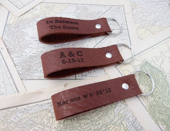 Custom luxury leather key chain made from recycled leather in our shop. A great leather anniversary gift idea! (3rd year traditional wedding anniversary / 9th year modern anniversary gifts) #leatheranniversary #leathergifts #3rdanniversary