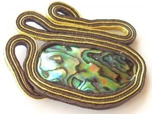 Broszka paua brąz złoto