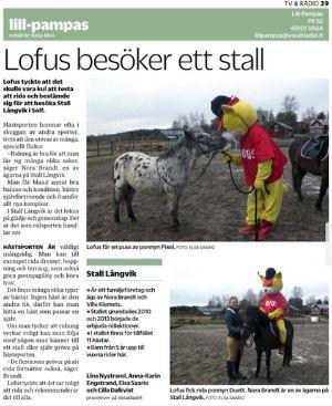Vasabladet och Lofus besöker ridskolan. Se mer i stallets mediabibliotek | Stall Långvik www.stall-langvik.fi/media