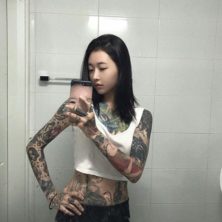 asian girl squirts bathroom