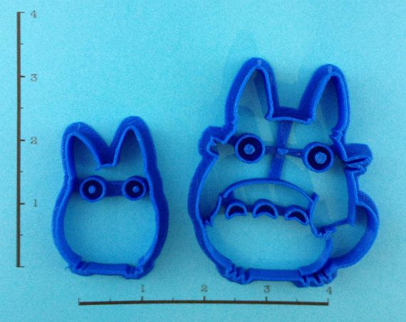 Hayao Miyazaki's My Neighbor Totoro - cookie cutter set. It's big Totoro and chibi Totoro - ready for you to make delicious cookies of them and gobble them up. - Handmade - 3D Printed with ABS - Dishw