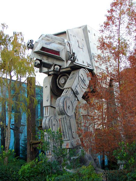 I feel like a total geek when it comes to Star Wars...I ALWAYS go on this ride! I think they changed it though...