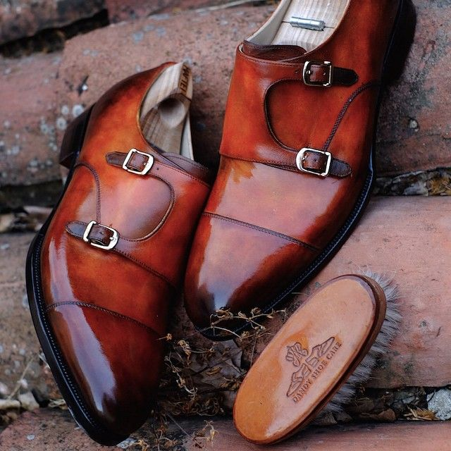 We have started a cooperation with Dandy Shoe Care in Italy and this is one of the patina he has done on a double monk in white leather. For your order at Maftei, it means for you just the shipping and some weeks extra patience as Alexander has a...