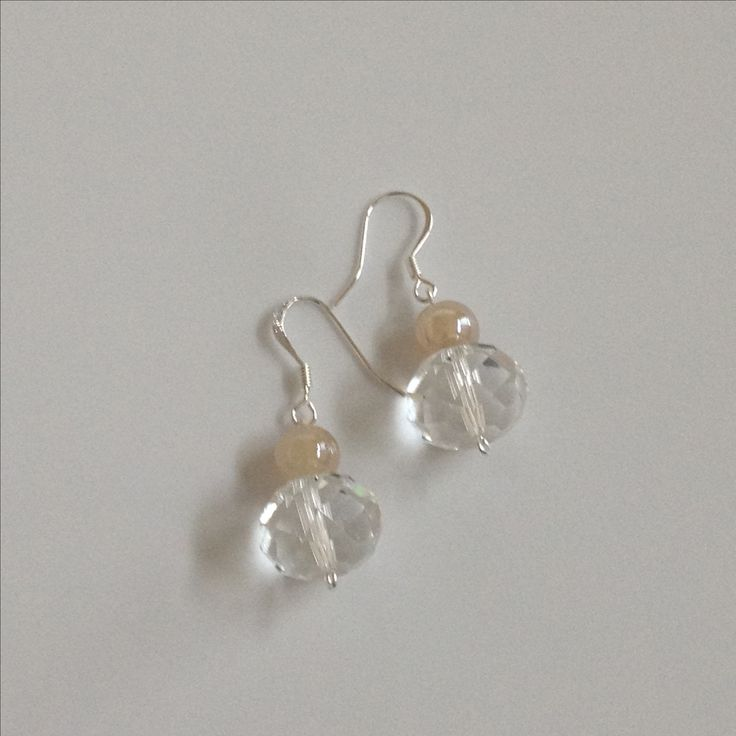 'Linda Clear Crystal glass bead with a ten glass bead #jewelry