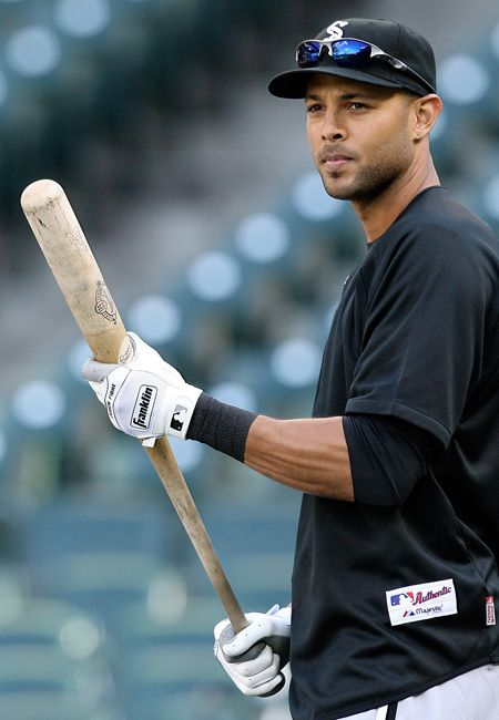 Alex rios If u were at Routermuldore with me then you arent a virgin so don't worry about full moons! Ok Alexi? #WhiteSox