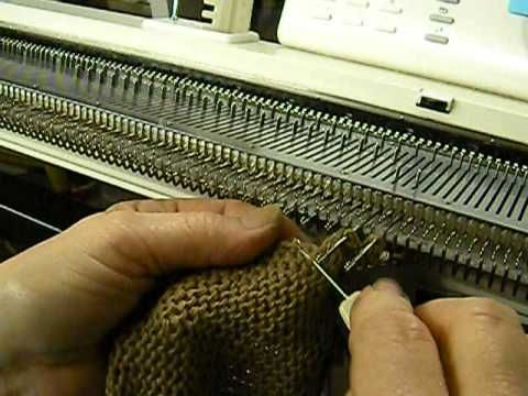 """▶ Knitting Machine Camp project: side casing for the Cotton """"Think Green"""" Bag by Carole Wurst - YouTube"""
