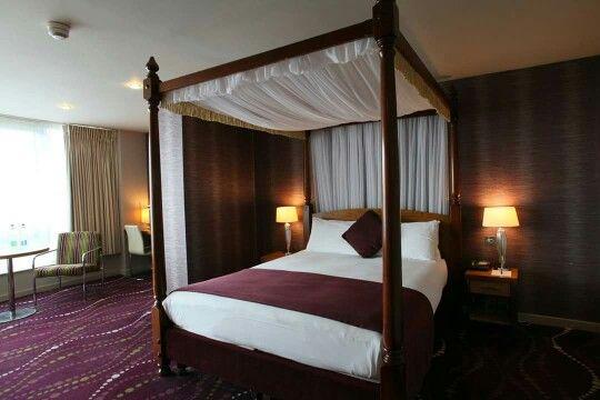 Louis Fitzgerald Hotel - The Bridal Suite 2