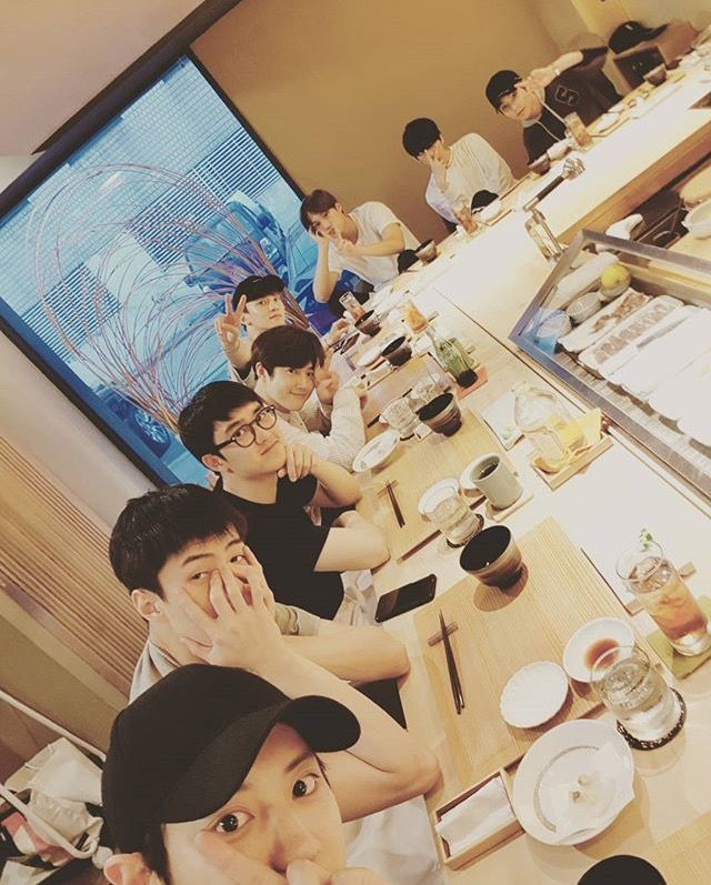 OT8 HAD A MEAL TOGETHER FOR JUNMYEONS BIRTHDAY EEEEEE | EXO