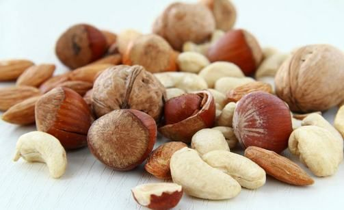 The reasons why you should eat nuts!