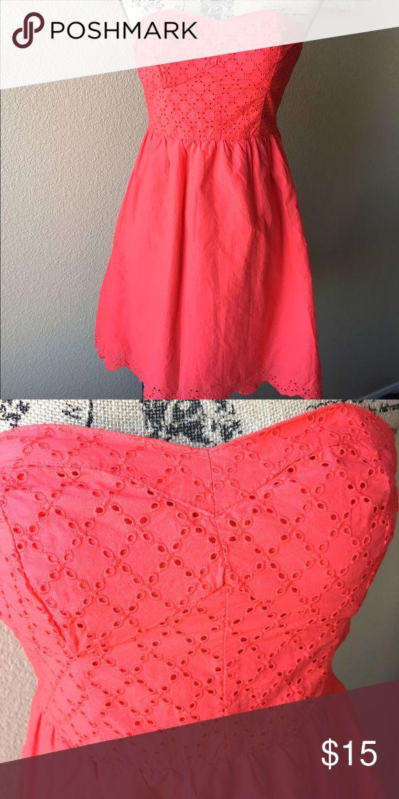 Super cute tube top dress. Super cute tube top dress. Has a lining and cute cut outs along hem. Xhilaration Dresses Midi