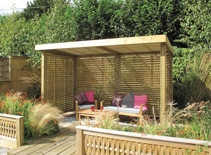 Retreat Shelter from Jacksons - Designed using our popular Venetian panels for the sides and roof.