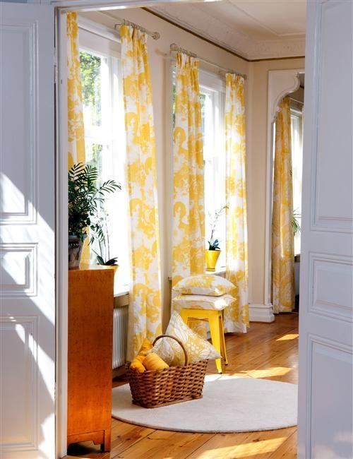Yellow with cream walls. Looks very fresh!