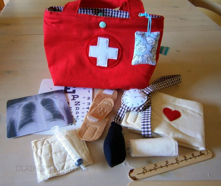 DOCTOR BAG  for dolls, made bey order, stuffed animal doctor, children, red, cross,handmade by UlrikesSmaating on Etsy https://www.etsy.com/listing/269207300/doctor-bag-for-dolls-made-bey-order