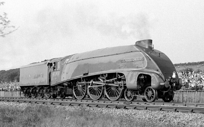 LNER  A4 Pacific (4-6-2) No 4489 'Sir Nigel Gresley'