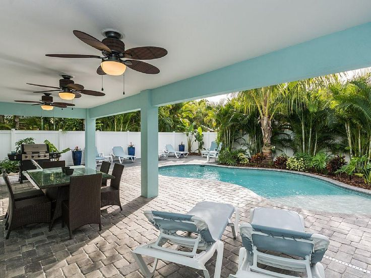 Bradenton Beach House Rental   Heated Pool, Sun Deck In Far Left, Dining  Area