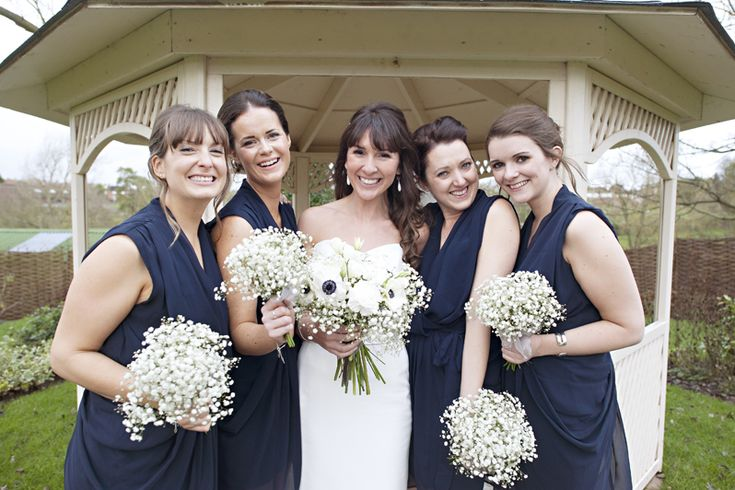 Oh we love navy & white themed weddings! #bridesmaids