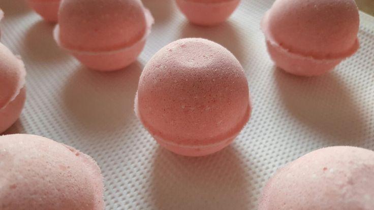 #strawberry bathbomb