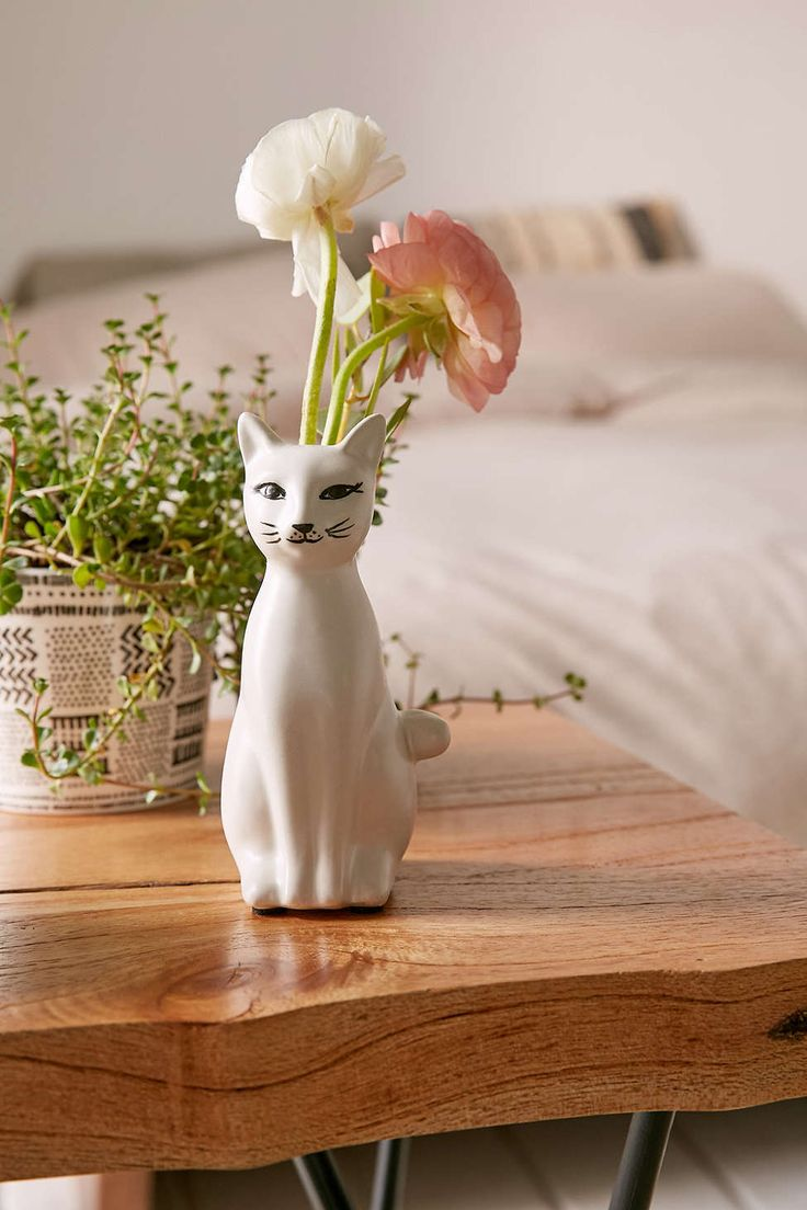 Kitty Bud Vase - Urban Outfitters