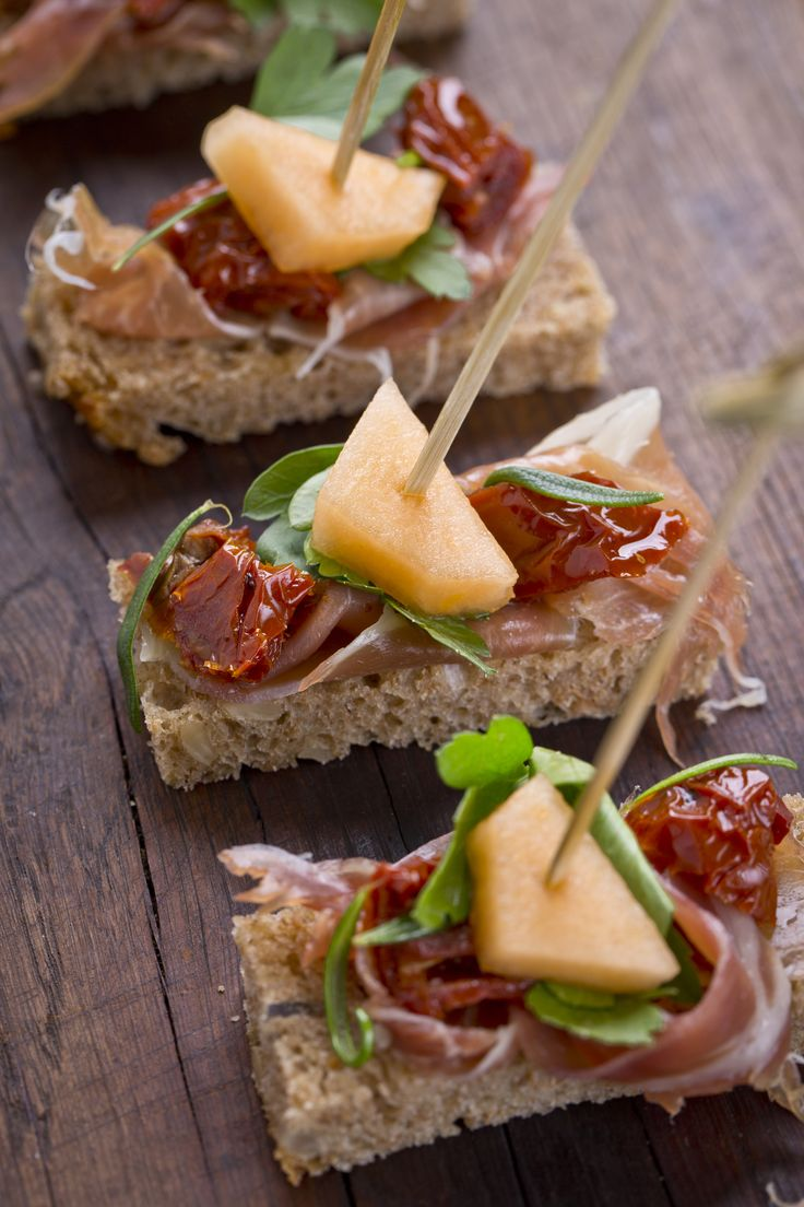 This pin takes you to an Ice Tea ad.  I just looked at this pic and was able to come up with a good tasting one.  I spread chive cream cheese on the bread, with procuitto, sun dried tomatoe, greens and cantelope
