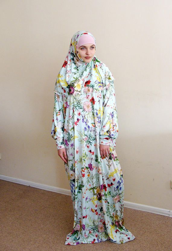 Summer long dress free size. Jersey dress with feminine floral print. Ideal for hot summer walks and prayer. Dress with long sleeves, will fit any size! You can complete with dress, buy hijab to complete the look. This outfit is sure to appeal to moms because it helps to take a walk in just one minute!We strive to make covered woman stylish, beautiful and elegant.  Jersey From S to XXXXXL sizes. Length 59 inch ( 150 cm )