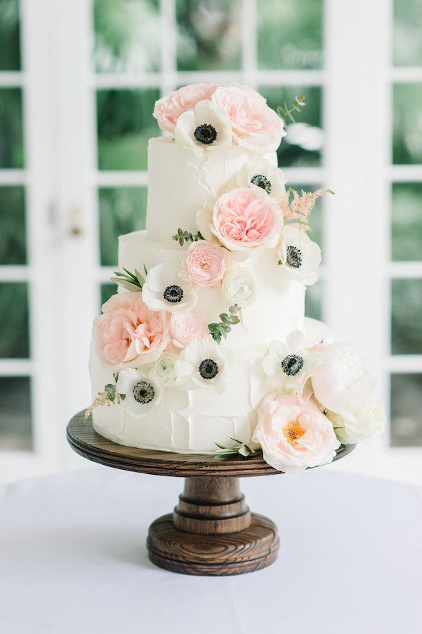 Beautiful wedding cake made by PPHG pastry chef Jessica Grossman at Jordan & Pearce's southern wedding | Lowndes Grove Plantation  | Charleston, SC | Photo by Aaron and Jillian Photography