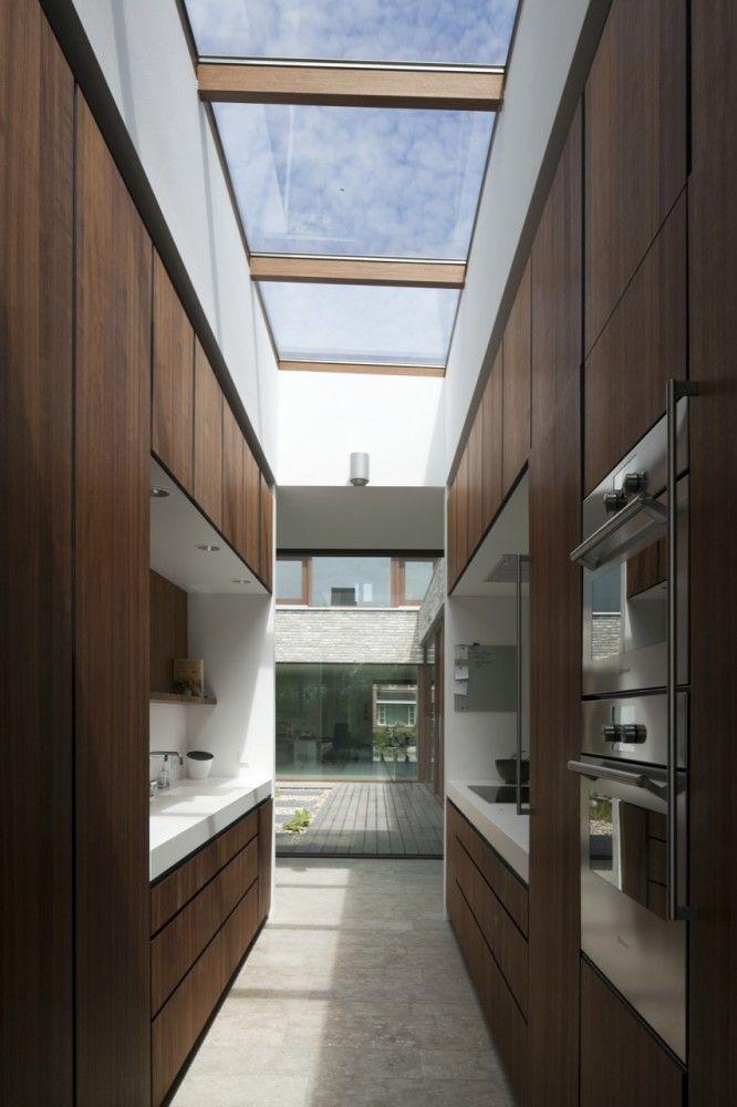 Villa Hendrikx |70 F Architecture, skylight to add height