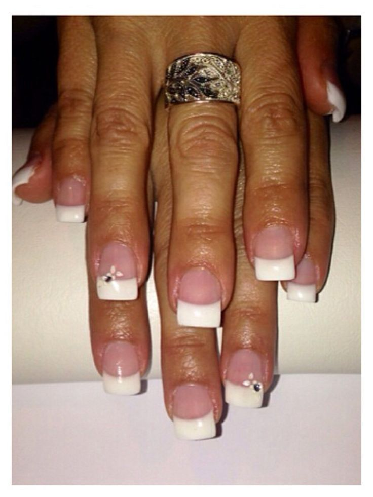 #white #classic #gelnails #pretty