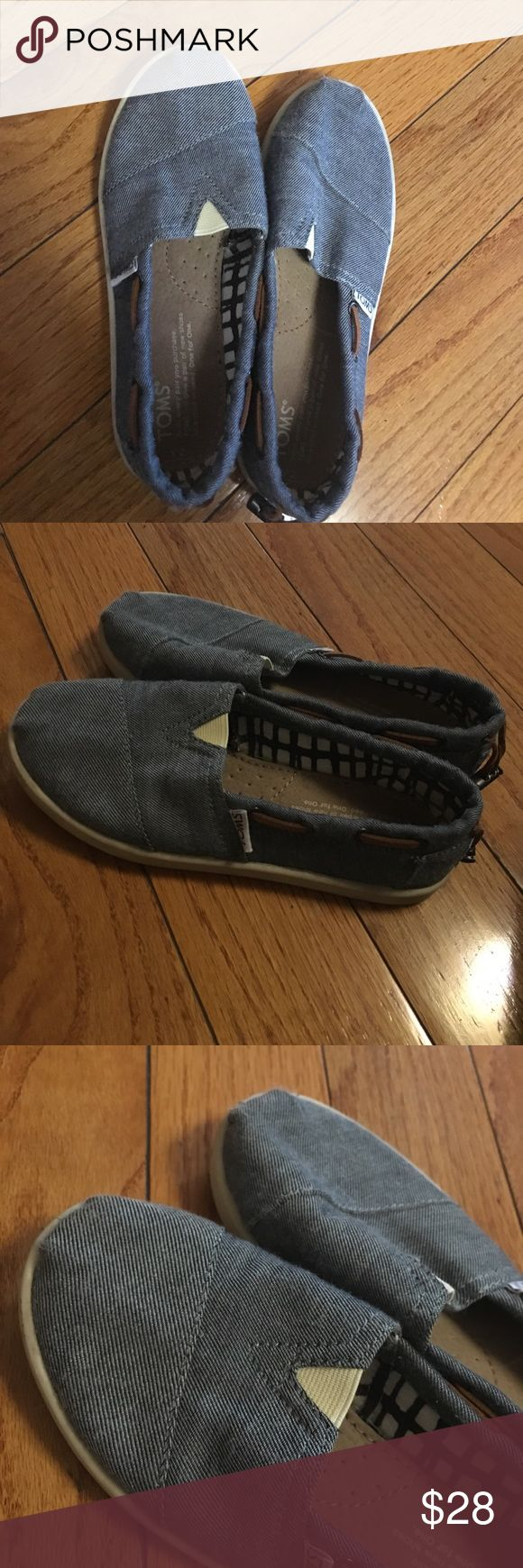 Kids Toms Boat Shoes Rarely used maybe 3 at most. Still in excellent condition TOMS Shoes Sneakers