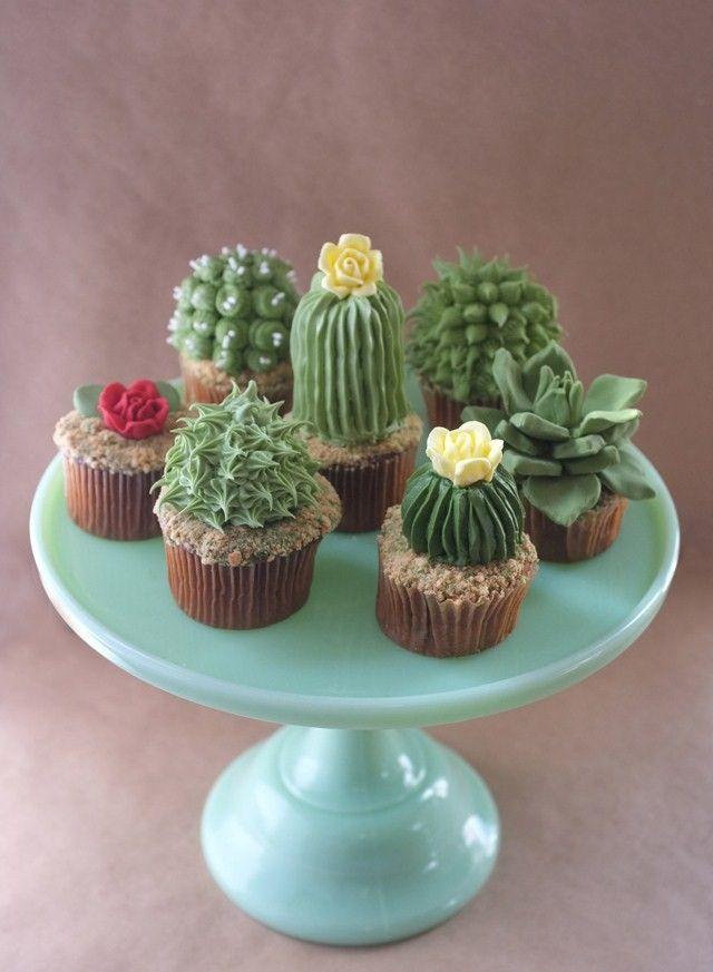 House Plant Cupcakes http://www.lovediy.it/2014/05/08/house-plant-cupcakes/ A suo tempo ci siamo deliziati con le morbide #piante-grasse, apprezzate dalle appassionate di #uncinetto creativo, e con i deliziosi #cactus di #pasta-di-mais, graditi a tutte le seguaci dell'arte della modellazione, ecco delle squisite piantine...