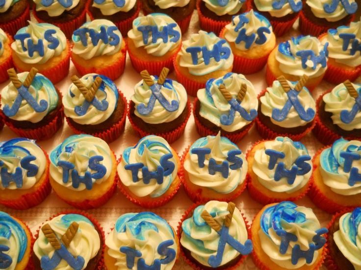 Field Hockey cupcakes-good thing I have an in with Kare Bear Cupcakes...must have for last home game!