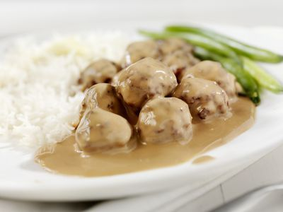These crock pot Swedish meatballs are a snap to make and cook in the slow cooker. The meatballs are baked and then cooked with a sour cream sauce.