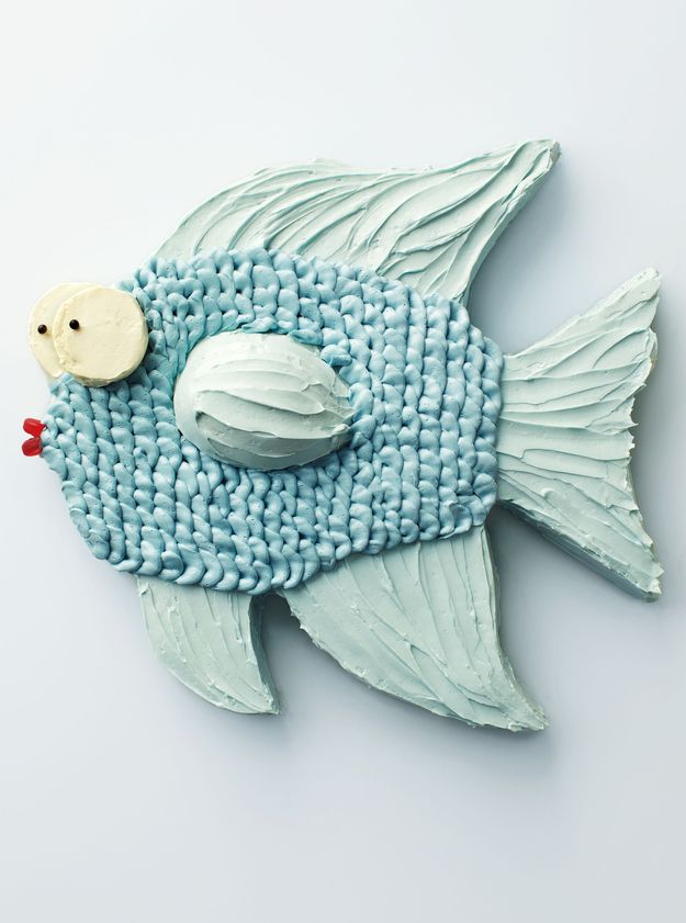 Pastel blue buttercream fins! The best.  | 7 Amazing And Crazy Animal Cakes