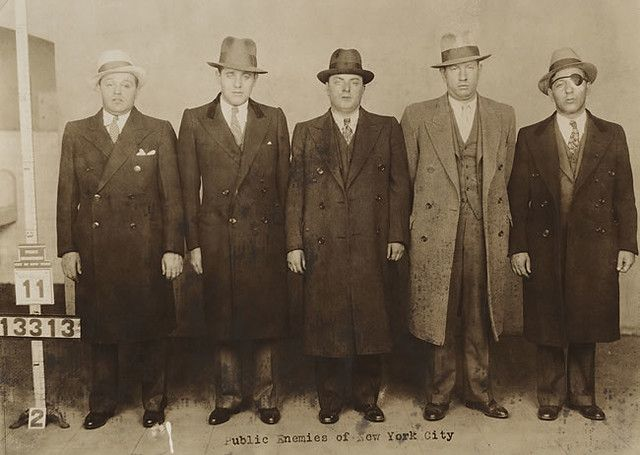 Benjamin Bugsy Siegel In A Police Lineup C 1931 Photo 2 In 2021 Bugsy Siegel Crime Family Real Gangster
