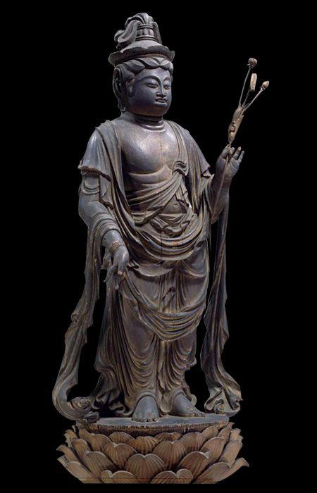 Important cultural property of Japan, wooden shokannon bodhisattva statue, Heian period (9th century) 重要文化財 聖観音菩薩立像