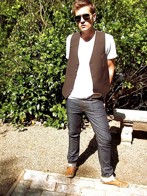 Vested style, sleekly casual. Guy Laroche Wool Vest by houseofcircumstance on Etsy