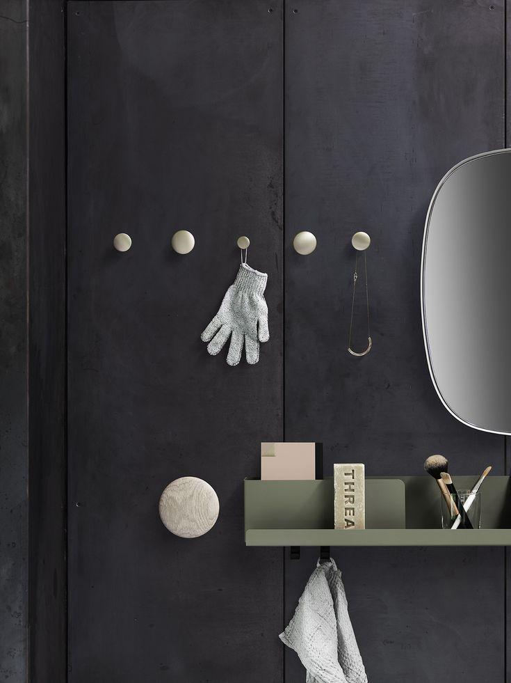 DOTS metal, FOLDED shelves & FRAMED mirror #muuto #muutodesign #scandinaviandesign #framedmirror #dotsmetal #dots #thedots #foldedshelves #shelves #bathroom