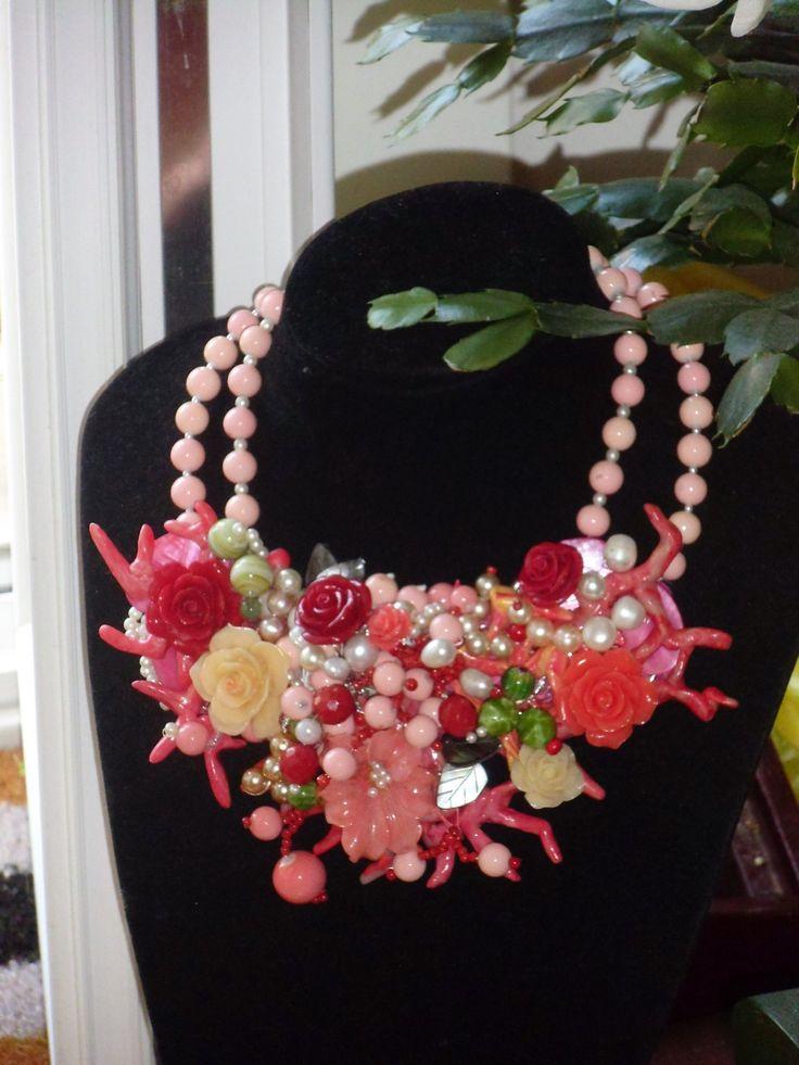 VENDUTA-SOLD Grande collana con fiori di argilla polimerica e perle di PaTrieste su Etsy